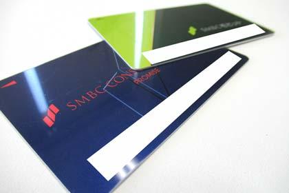 SMBCモビットとプロミスのローンカード